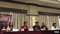 中国妇权与女权无疆界在纽约法拉盛举行《中国妇女儿童权益论坛》 (美国之音方冰拍摄)