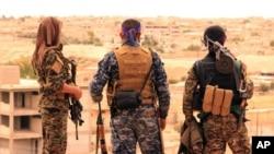 گروهی از نظامیان سوری