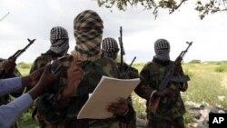 Kelompok militan al-Shabab telah membuka akun Twitter baru hari Senin 23/9 (foto: ilustrasi).