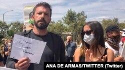 بن افلک و آنا دو آرماس در تظاهرات جان سیاهپوستان مهم است، ۲ ژوئن ۲۰۲۰