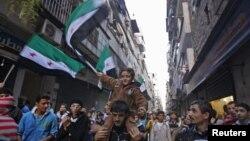 Halabda prezident Bashar al-Assadga qarshi namoyish, 12-noyabr, 2012-yil.