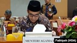 Menteri Agama Fachrul Razi rapat kerja dengan Komisi VIII Dewan Perwakilan Rakyat (DPR) di kompleks parlemen, Jakarta, Kamis, 28 November 2019. (Foto: VOA/Fathiyah)