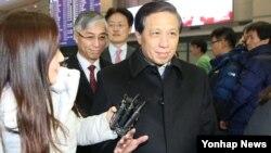 中国外交部副部外长张业遂15日下午抵达韩国仁川国际机场