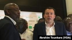 Marc Wilmots, le nouveau sélectionneur des Eléphants de la Côte d'Ivoire lors d'une conférence de presse à Abidjan, Côte d'Ivoire, 22 mars 2017. (VOA/Ibrahim Tounkara).