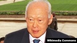前新加坡总理、现任总理李显龙的父亲李光耀