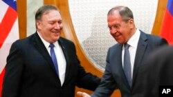 마이크 폼페오 미국 국무장관과 세르게이 라브로프 러시아 외무장관.