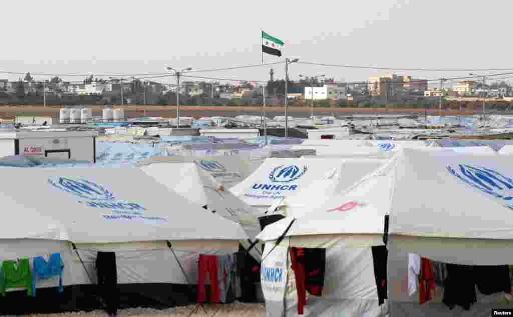 지난달 30일 시리아와 요르단 접경지역의 시리아 난민촌.