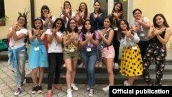 Azərbaycanlı qızlar WiSci Girls STEM regional düşərgəsinə qatılıb
