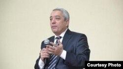 Azamat Ziyo ham Murod Muhammad-Dost kabi Karimov davrida yuqori lavozimlarda o'tirgan