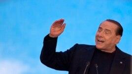 Berlusconi deklaron se nuk do të largohet nga politika