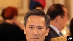 청와대 만찬에 참석한 김관진 국방장관