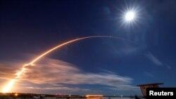 យានអវកាសហោះទៅកាន់ព្រះអាទិត្យ ដែលត្រូវបានផលិតឡើងសម្រាប់អង្គការ NASA របស់សហរដ្ឋអាមេរិក និងទីភ្នាក់ងារអវកាសអឺរ៉ុប បានចេញដំណើរទៅកាន់អវកាសពីស្ថានីយ៍ Cape Canaveral Air Force ក្នុងក្រុង Cape Canaveral រដ្ឋ Florida សហរដ្ឋអាមេរិក ថ្ងៃទី១០ ខែកុម្ភៈ ឆ្នាំ២០២០។