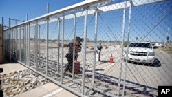 徳克萨斯州一个收容未成年移民的安置中心