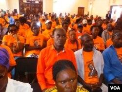 Abalandeli bebandla lePDP ngoLwesine lapho okade kulotshwa khona isivumelwano somanyano weCoalition of Democrats.
