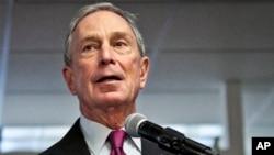 New York'un eski Belediye Başkanı Michael Bloomberg, 2016 başkanlık yarışına girebileceğinin sinyallerini verdi
