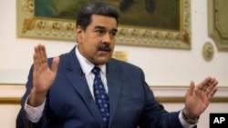 En entrevista con el Washington Post, el presidente en disputa de Venezuela, Nicolás Maduro, dijo estar listo para entablar conversaciones con EE.UU.