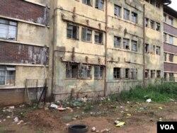 Amanzi ayachitheka kwezinye indawo zeBurombo Flats koBulawayo.