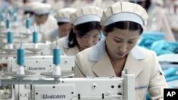 개성공단의 북한 근로자.