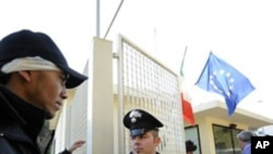意大利13日重新开放小岛兰佩杜萨