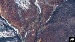지난 4월 위성에서 촬영한 북한 풍계리 핵실험장. (자료사진)