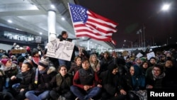 Trump Orders Block Immigrants at Airports, Leading to Chaos, Protests
