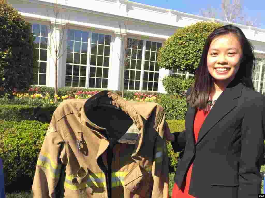 华裔学生发明的新型耐热消防服 (美国之音莉雅)