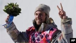 Первый золотой медалист Сочи 2014 - Сейдж Котсенбург (США)