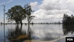 Banjir yang melanda kota Rockhampton di Australia, 3 Januari 2011.