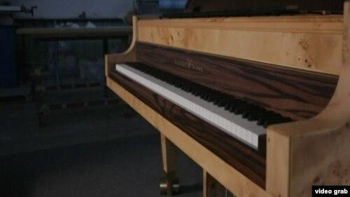 پیانوی جدید «استوارت اند سانز» با ۱۰۸ کلید