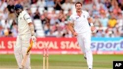 دوسرا ٹیسٹ: انگلینڈ کے ہاتھوں بھارت کو عبرت ناک شکست