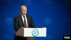 2013年9月25,俄羅斯總統普京在第三屆國際北極論壇期間的講話。