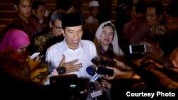 印尼总统佐科与记者交谈(资料图,2016年6月)