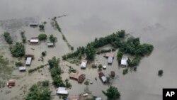 بھارتی ریاست آسام کے کئی علاقے سیلابی پانی میں مکمل ڈوب گئے تھے