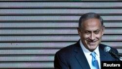 재집권에 성공한 베냐민 네타냐후 이스라엘 총리가 18일 당사에서 지지자들에게 연설하고 있다.
