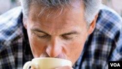 Semakin banyak bukti ilmiah yang menunjukkan manfaat minum kopi secara teratur bagi kesehatan.