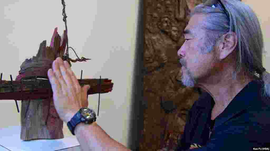 日裔美国艺术家北村和他的挡坦克青年作品