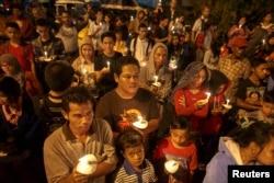 2014年12月31日,印度尼西亚民众举行烛光集会,悼念亚航8501航班恐难的遇难者