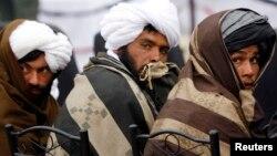 Pemberontak Taliban menarget sasaran pasukan koalisi dalam serangan di provinsi Ghazni (foto: dok).