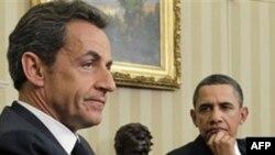 Tổng thống Hoa Kỳ Barack Obama, phải, và Tổng thống Pháp Nicolas Sarkozy tại Washington, Thứ hai, 10/1/2011