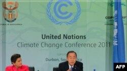 Tổng thư ký Liên hiệp quốc Ban ki-moon nói chuyện tại một cuộc họp báo ở Durban