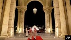 Вхід до готелю Ritz-Carlton, де, за повідомленнями, утримують десятки звинувачених в корупції