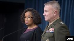 懷特女士與美軍高官2018年1月25日主持記者會(美國國防部)
