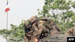 Binh sĩ Pháp tham gia chiến dịch quân sự ở Côte d'Ivoire