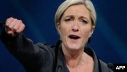 Ðảng FN do bà Marine le Pen (hình trên) lãnh đạo tăng rõ thế và lực, vươn lên thành một chính đảng có vai vế toàn quốc, nghiễm nhiên đứng thứ ba trong hơn 10 đảng phái của nước Pháp