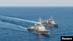 USS Mustin စစ္သေဘၤာ ေတာင္တရုတ္ပင္လယ္ထဲ စစ္ေရးေလ့က်င့္စဥ္။ ဧၿပီ ၂၁၊ ၂၀၁၅။