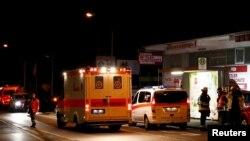 مهاجم جوان افغان که بر مسافرین این قطار آهن آلمان شب گذشته حمله ور شده بود، از سوی پولیس کشته شده است