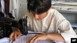 رکود گلدوزی دستی در هرات