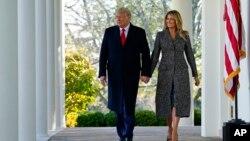 美国总统特朗普与第一夫人梅兰妮娅 (2020年11月24日)