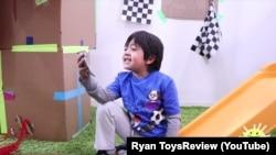 Кадр із відео Раяна на його каналі Ryan ToysReview в YouTube