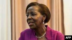 Uyu ni Minisitiri w'ububanyi n'amahanga w'u Rwanda Louise Mushikiwabo